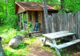 SleepingCottage_picnictable