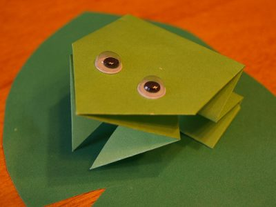 origami frog kids crafts at crow wing crest lodge